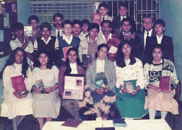 Grupo de colportores en Bogotá, 1988